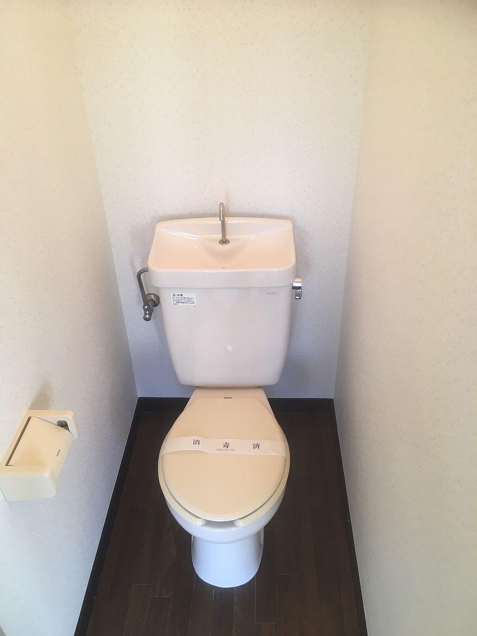 コーポむさしの208号室トイレ 1DK バストイレ別 バイク置場あり