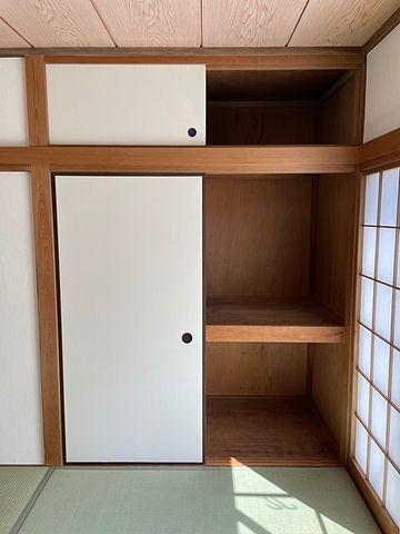 国分寺市東恋ヶ窪3丁目貸家 収納①