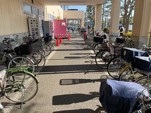 スーパーバリュー府中新町店国分寺市東元町西元町に住んでいる単身者にオススメのスーパー駐輪場